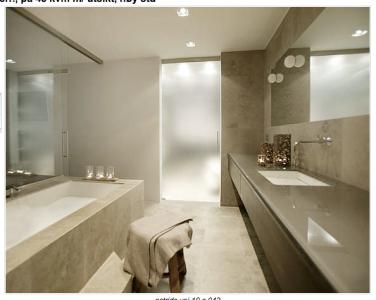 nyyyydelig gråbeige bad